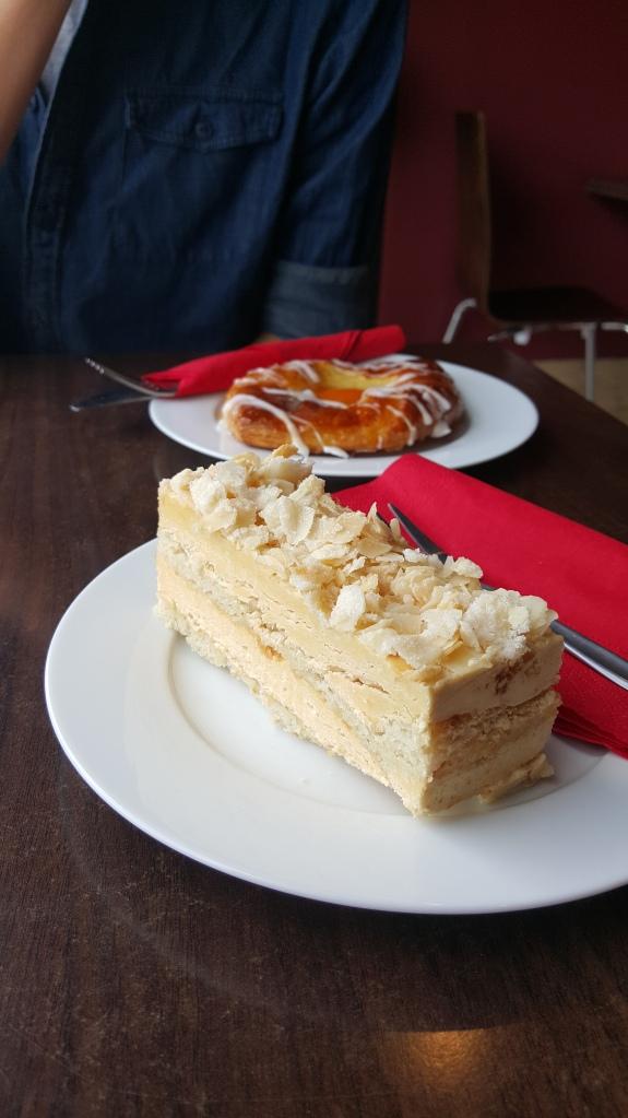 Hazelnut buttercream slice || Apricot danish